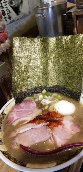 「特製煮干しラーメン1200円+チャーシュー100円」@すごい煮干ラーメン凪 新宿ゴールデン街店 本館の写真