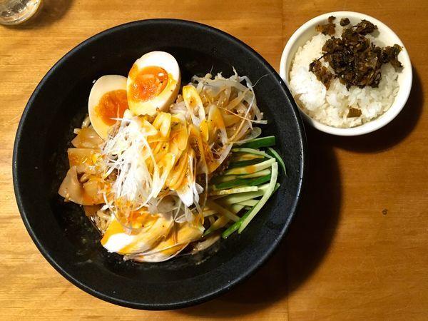 「冷やし担々麺+サービスライス」@九州ラーメン 博多吉もんの写真