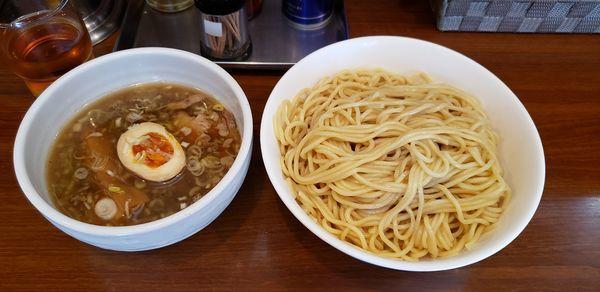 「つけめん 醤油 中盛り」@麺家 彩華 池上店の写真