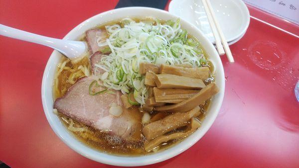「チャーシュー麺大盛+メンマ、ネギ追加」@麺来亭の写真