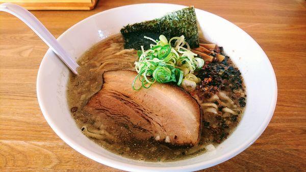 「【平日限定】豚煮干ラーメン」@湖麺屋 Reel Cafeの写真