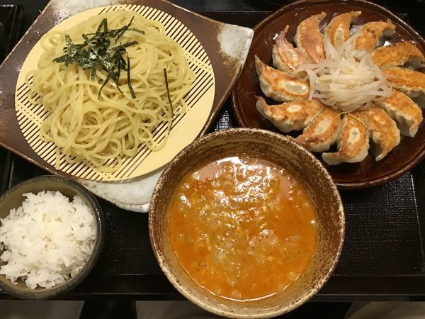 「浜松餃子とつけタンタンメンのセット1069円」@五味八珍 メイワン店の写真