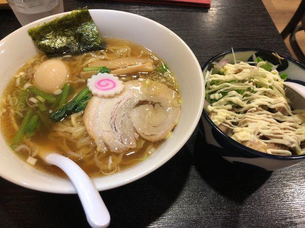 「味玉ラーメン + コロチャー丼(セット)」@佐野ラーメン・佐野黒から揚げ 進ちゃんの写真