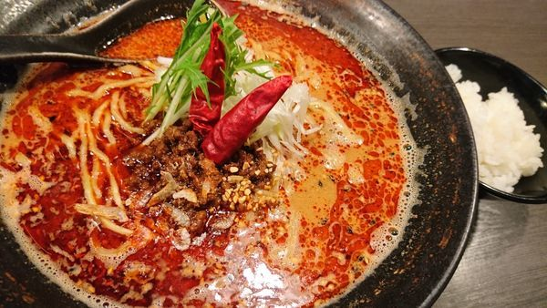 「烈火担々麺、大盛、サービスライス」@四川麺条 香氣 千歳烏山店の写真