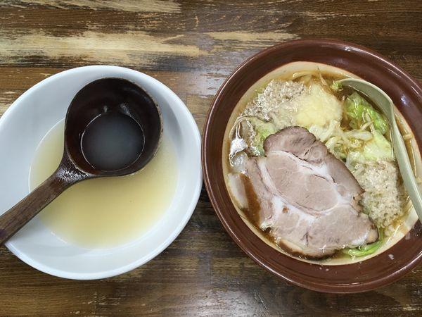 「特製みそラーメン(背脂、にんにく有)」@ラーメン 東横 笹口店の写真