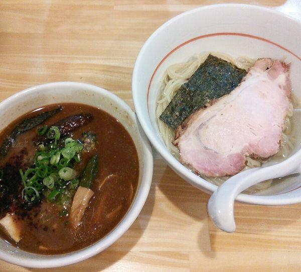 「【限定】冷やし赤味噌つけ麺 1000円」@川の先の上の写真