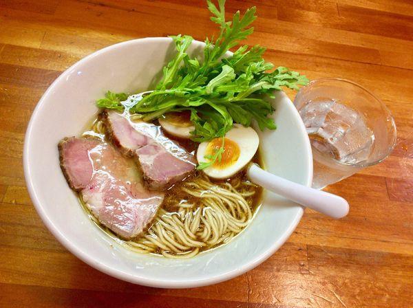 「地鶏醤油 with煮玉子」@極汁美麺 umamiの写真