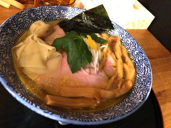 「鶏塩らぁ麺+もっちりワンタン」@長野らぁ麺 さくら木の写真