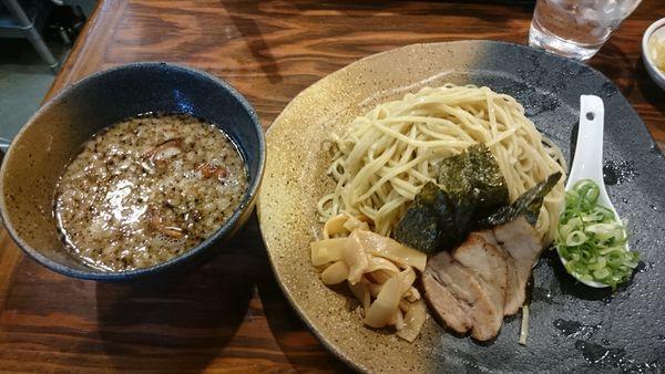 「つけ麺 もつ 200g(800円)」@龍の家 新宿小滝橋通り店の写真