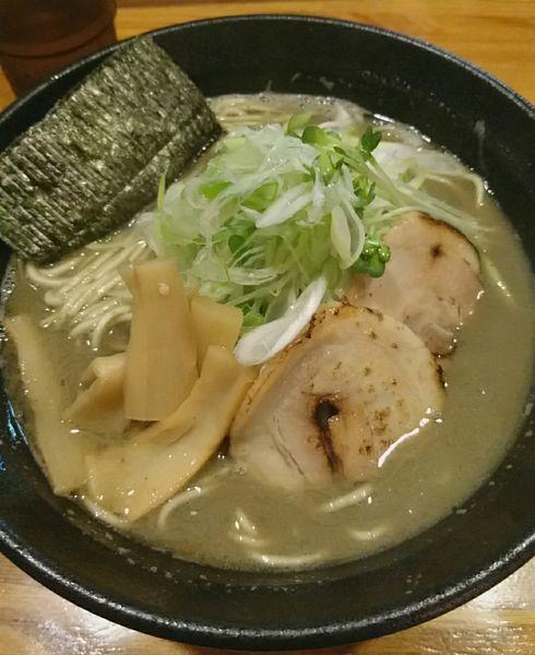 「メガ煮干しラーメン 大」@麺屋 ひな多の写真