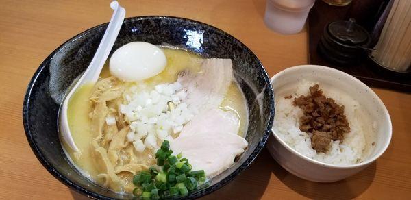 「とりそば750円+全部のせ350円+日替り肉ご飯150円」@麺堂 稲葉の写真