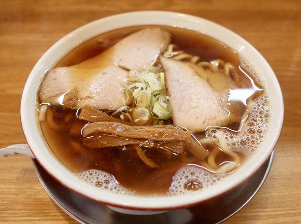 「極太煮干ソバ 中…580円」@麺屋 らいぞうの写真