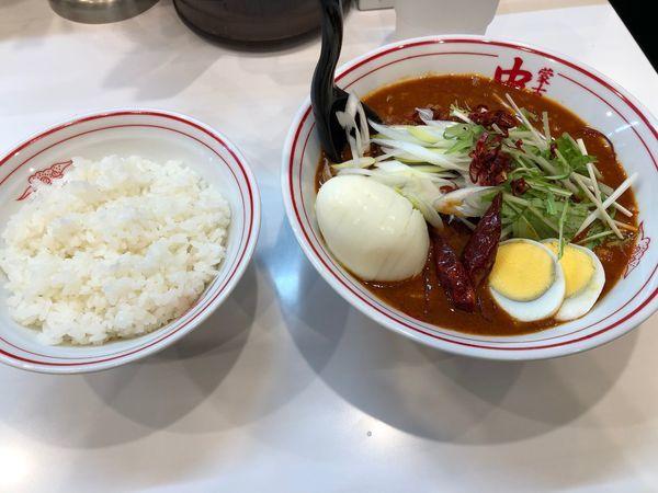 「炎極 半ライス 卵トッピング」@蒙古タンメン 中本 柏店の写真