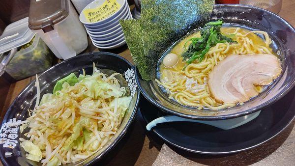 「ラーメン&モヤキャベ」@町田商店 入間店の写真