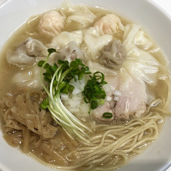 「肉・海老わんたん麺(白だし)」@らぁ麺 ひなたの写真