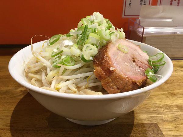 「らーめん豚一切れ にんにくねぎ」@ちばから 経堂店の写真