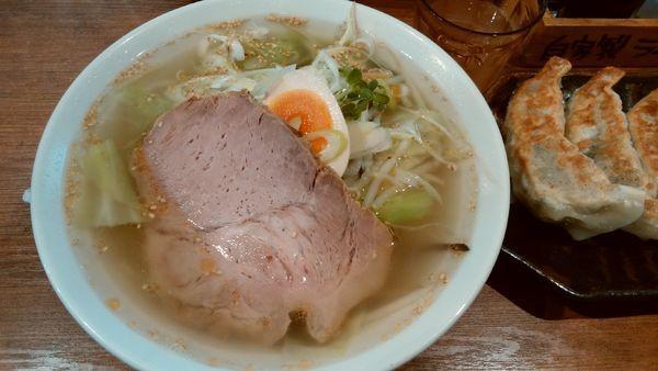 「コクあっさりタンメン+味玉+ジャンボ餃子5個¥失念」@らーめん 久兵衛の写真