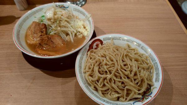 「つけ麺大盛り(980円)」@ラーメン豚山 上野店の写真