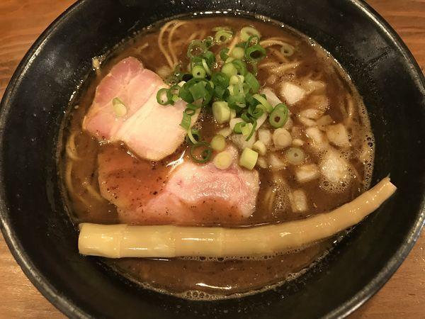 「魚介豚骨ラーメン」@いかれたNOODLE Fishtonsの写真