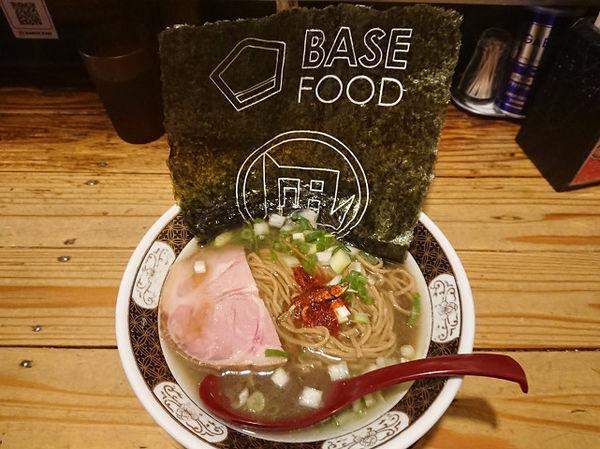 「ベースラーメン すごい煮干」@すごい煮干ラーメン凪 新宿ゴールデン街店 本館の写真