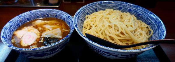 「ワンタンつけそば大盛」@中華蕎麦 金魚の写真