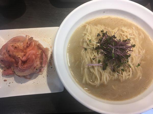 「【数量限定】冷やし鯵煮干蕎麦+肉増し別皿」@弘明寺丿貫の写真