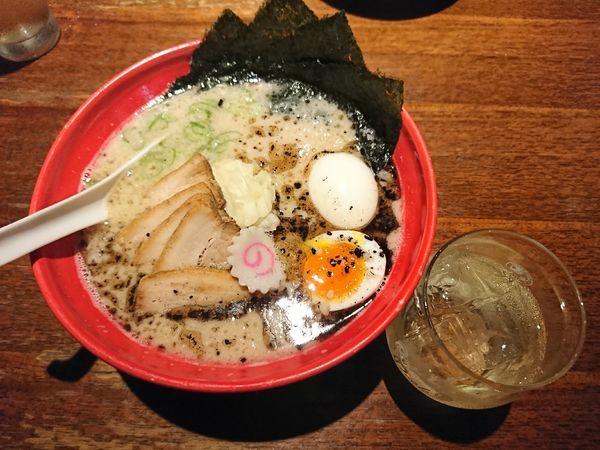 「特製焦がし豚骨麺(1290円)」@西麻布 五行の写真