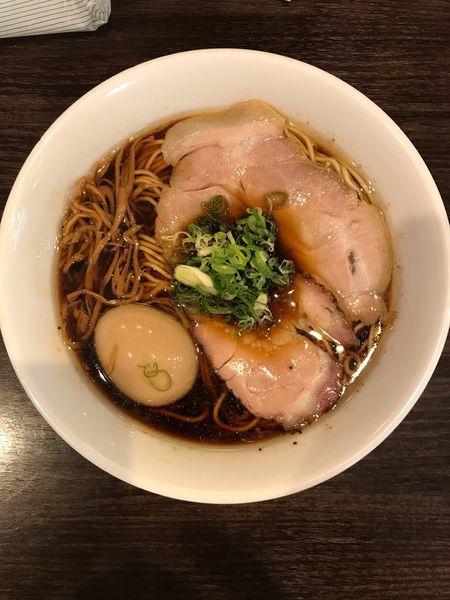 「醤油ラーメン 680円、味玉 100円」@かしわぎの写真