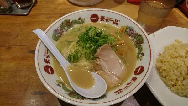 「チャーハンランチ_990円」@天下一品 新宿西口店の写真