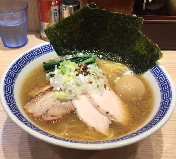 「特製醤油らーめん」@麺屋二代目 弘の写真