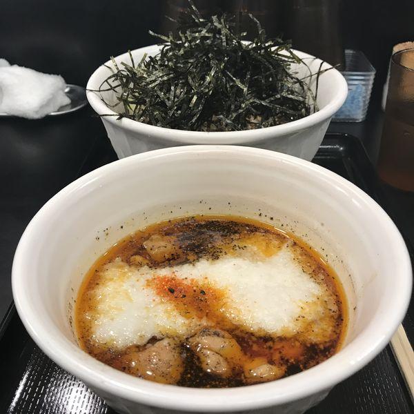 「とろろ鶏そば(中)(¥950)」@なぜ蕎麦にラー油を入れるのか。 神田小川町店の写真