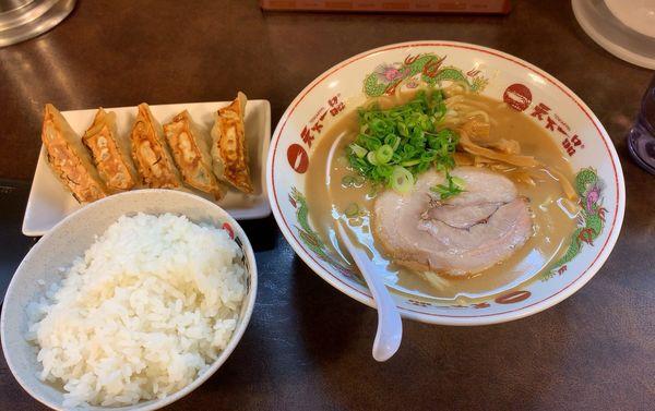 「餃子定食(ラーメン+餃子+ライス)」@天下一品 八王子店の写真