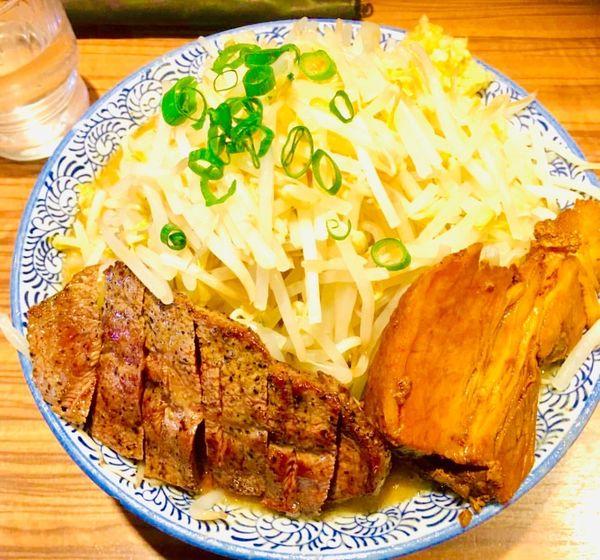 「らーめん野菜増し ステーキ」@ラーメン燈郎の写真