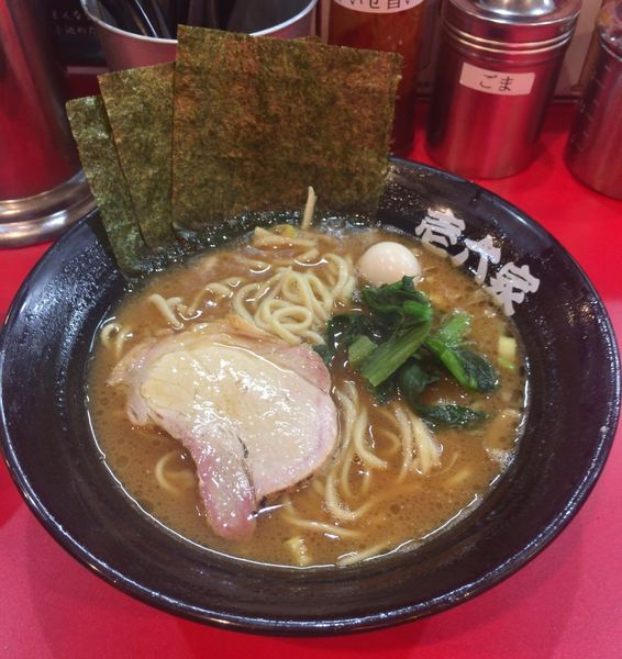 「醤油ラーメン」@壱六家 横浜店の写真