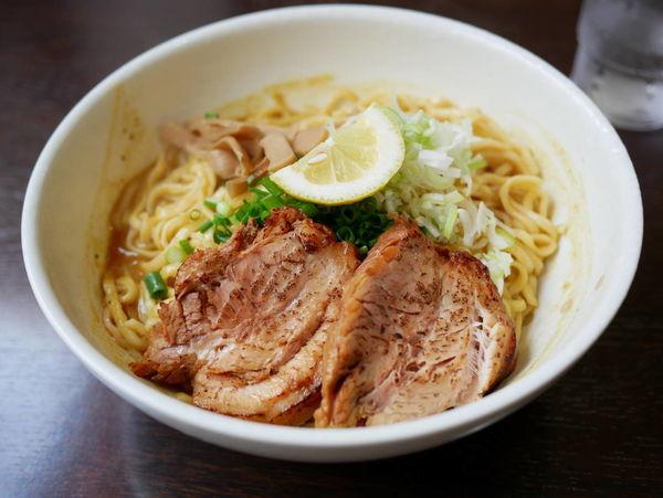「カレーばんめん 大盛+炙りちゃーしゅー」@ばん麺 一真亭の写真
