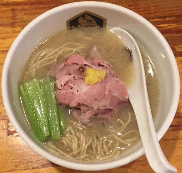 「淡麗真羽太100%らーめん(塩)870円」@真鯛らーめん 麺魚の写真