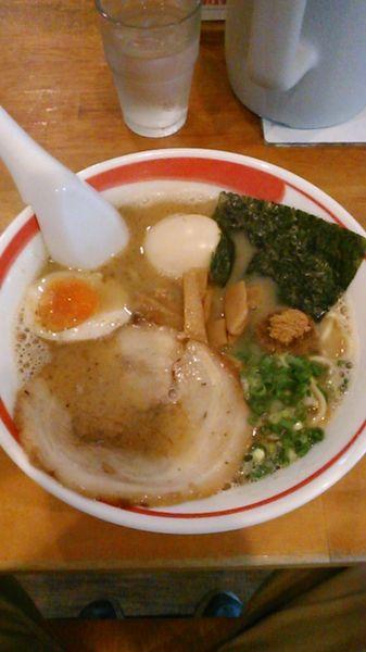 「豚骨魚しょうラーメン ラーパス 味玉」@とんこつラーメン 光★MENJIの写真