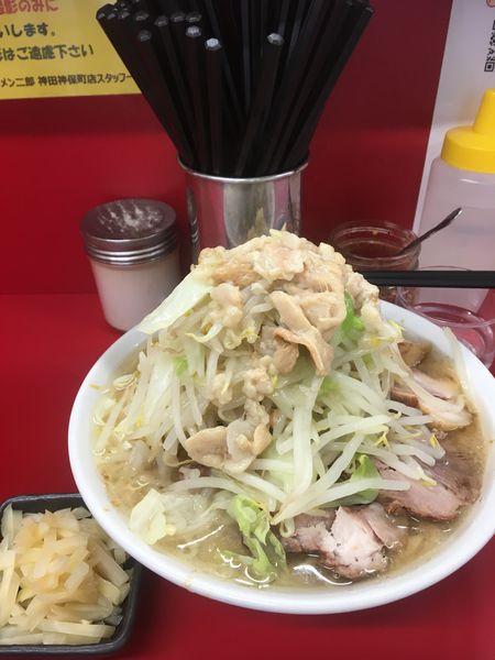 「小豚+千切り生姜」@ラーメン二郎 神田神保町店の写真