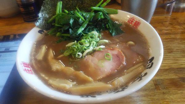 「ラーメン + ほうれん草」@麺屋 庄太 六浦本店の写真