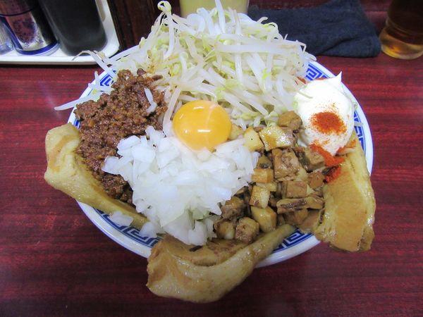 「まぜそば ゴマ味噌(750円)+関脇+小豚」@明神角ふじの写真