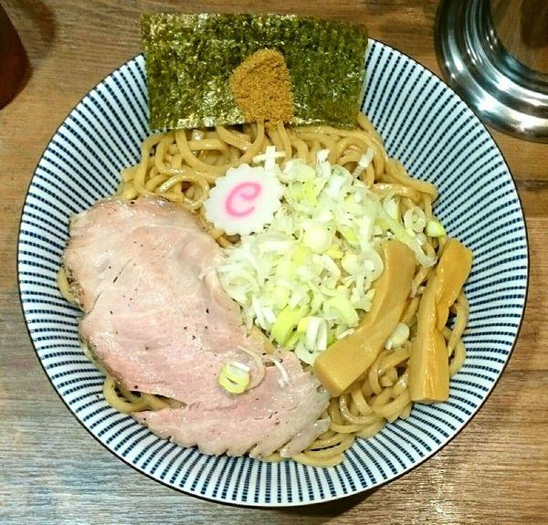 「まぜそば 大盛り 全粒粉麺変更」@俺の麺 春道の写真