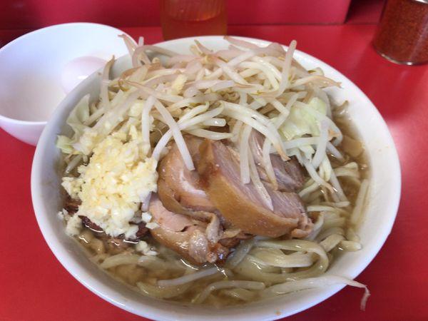 「小豚(ニンニク)+生たまご 950円」@ラーメン二郎 千住大橋駅前店の写真