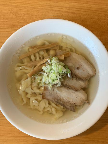 「会津山塩ラーメン手打ち麺 810円」@うえんで食堂の写真