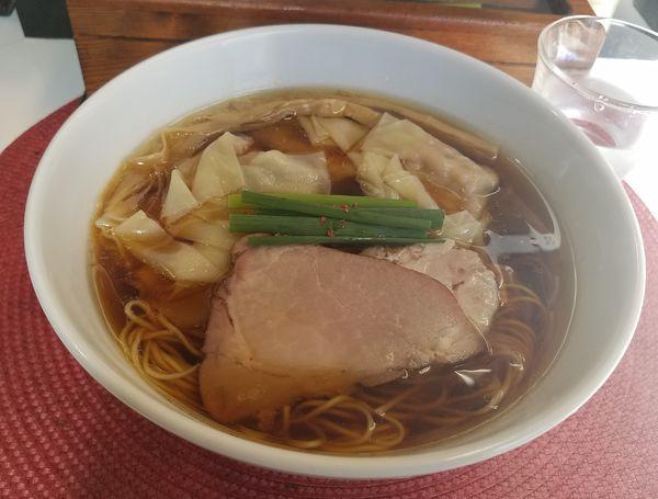 「醤油ワンタン麺¥1080」@麺や金時の写真