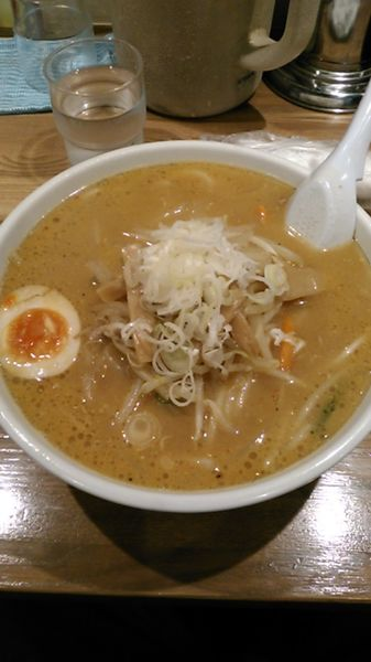 「みそらーめん」@手打ちらーめん 麺之介の写真