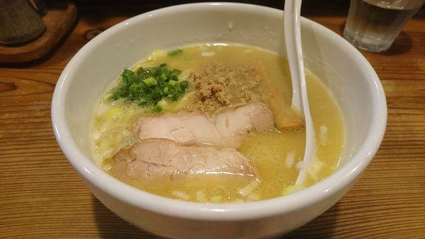 「【昼】白鶏らーめん」@鶏の穴の写真
