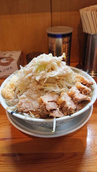 「豚ラーメン  麺大盛  野菜マシ  ニンニク  油」@連の写真