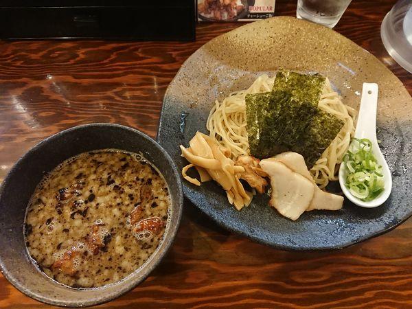 「つけ麺もつ(小盛り)」@龍の家 新宿小滝橋通り店の写真
