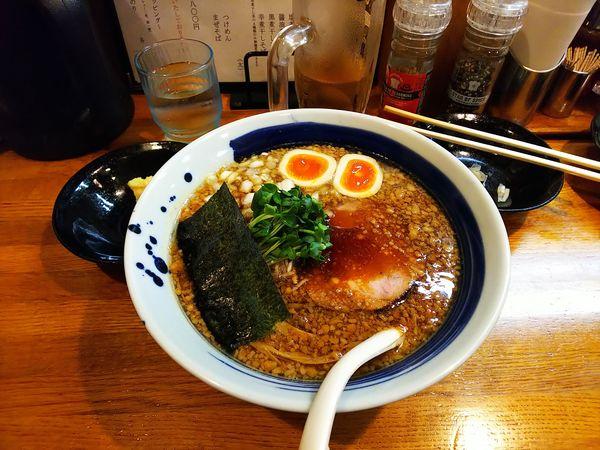 「背油煮干し黒醤油」@麺屋 鶏口の写真