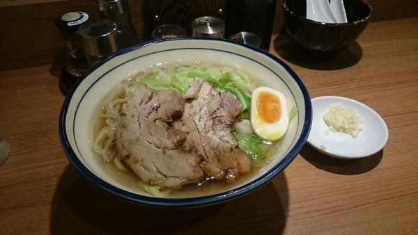 「醤油とんこつ・大盛・柔らかめ(アブラ)¥920」@らーめん勇の写真